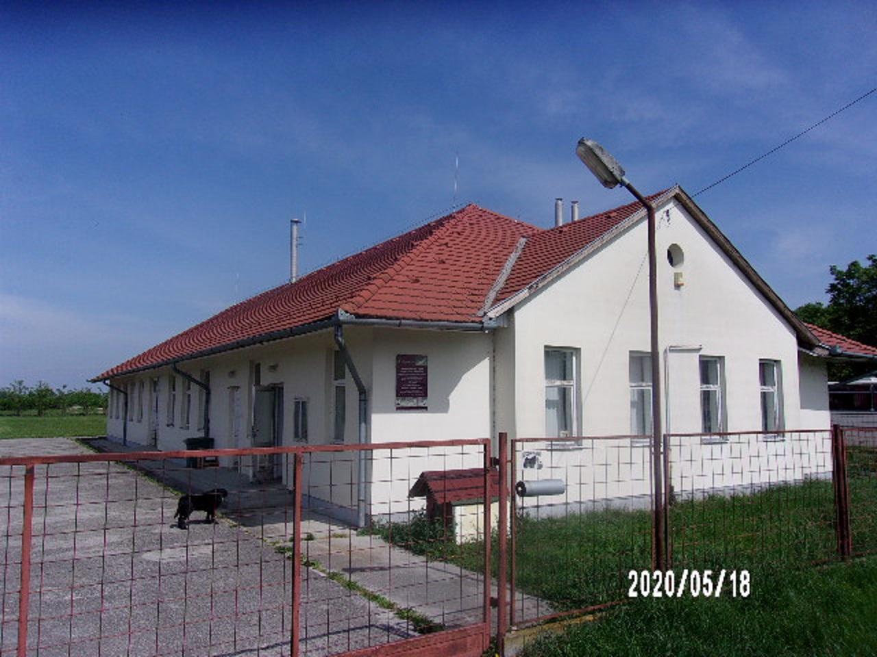 Telephely Szigetvár mellett Hobolban eladó