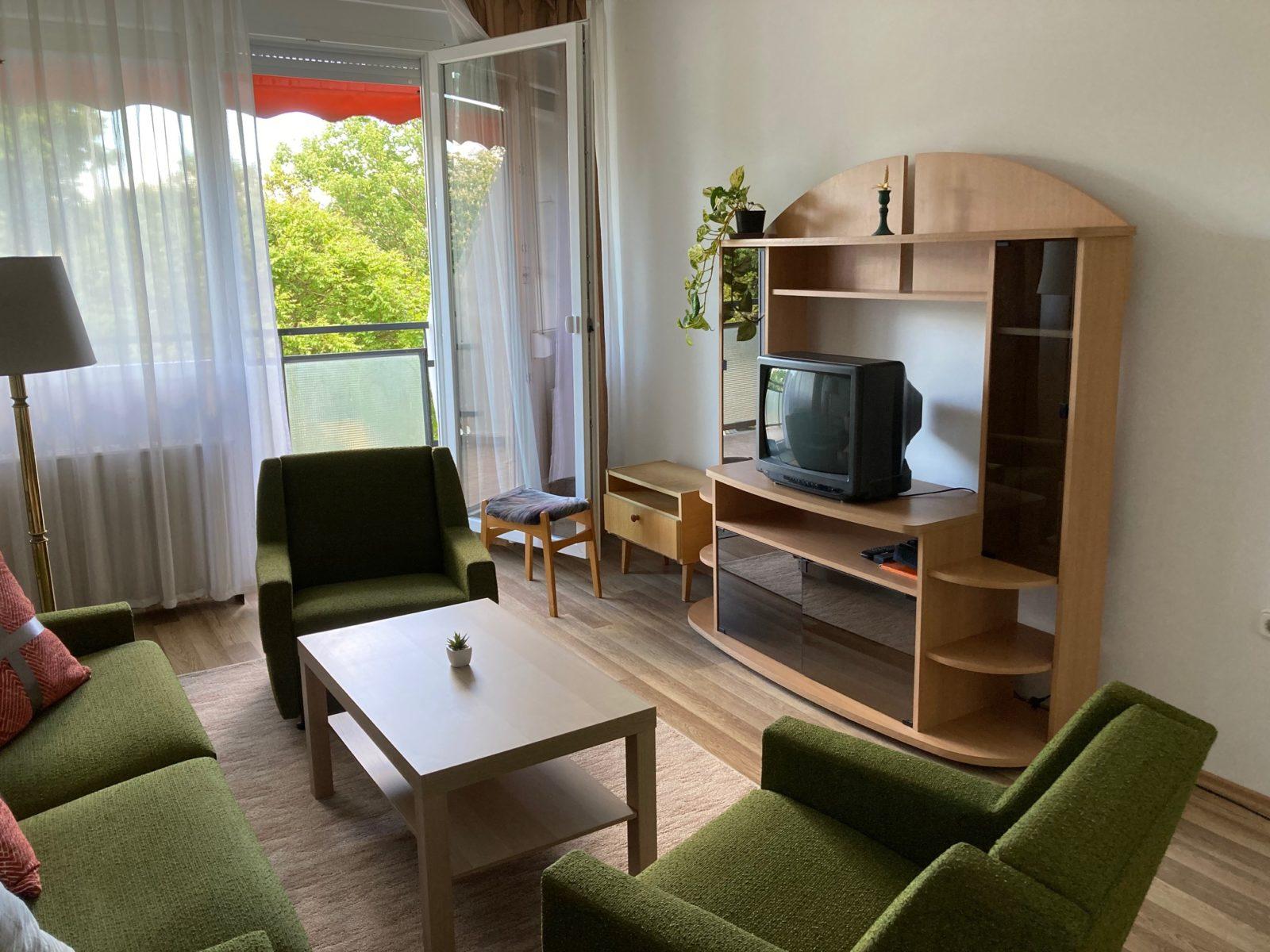 Kertvárosban 1 emeleti 3 szobás felújított lakás kiadó!